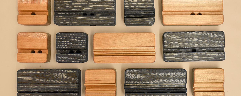 GRACE OF WOOD(グレースオブウッド)オリジナル木製スマホスタンド 天然の木のぬくもりを身近に楽しく、豊かなスマホ生活を