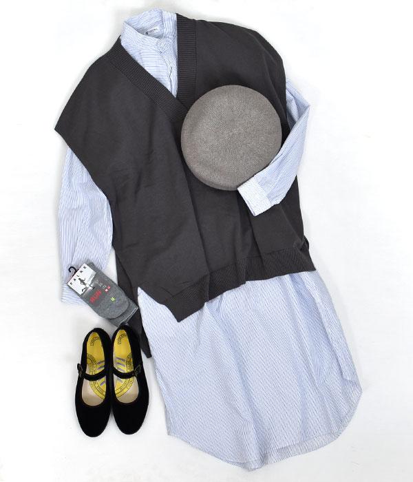 ケッズ (KED'S)CHAMPION STRAP VELVET ベルベットシューズを使ったシャツワンピ × ベストのレイヤードスタイルコーデ