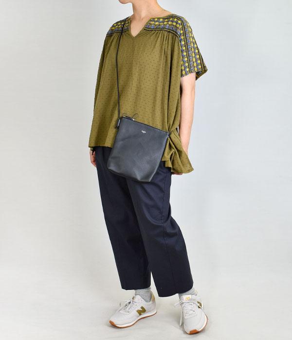マーブルシュッド (marble SUD) Smocking Blouse 半袖刺繍ブラウス プルオーバーシャツ 05BS069018 を使ったレディースコーディネート